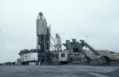 Mobile central mixing plant.