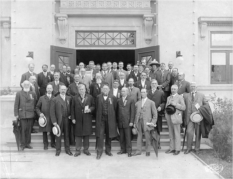 First American Congress of Roadbuilders held at the University of Washington in 1910.