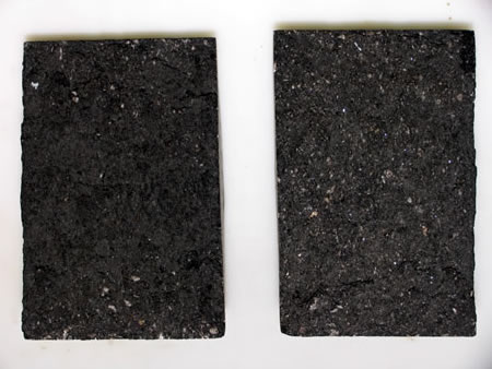 HMA samples with no moisture damage (left) and moisture damage (right). A more subtle example than Figure 2, but still with noticeable uncoated aggregate.